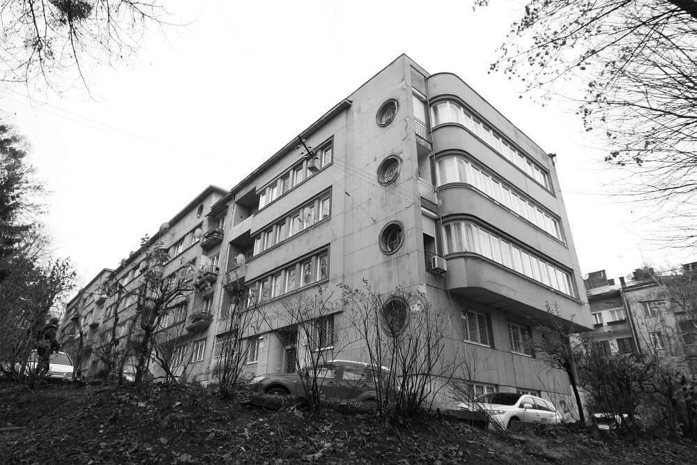 ModernismofLvivandKharkiv:Betweenthe