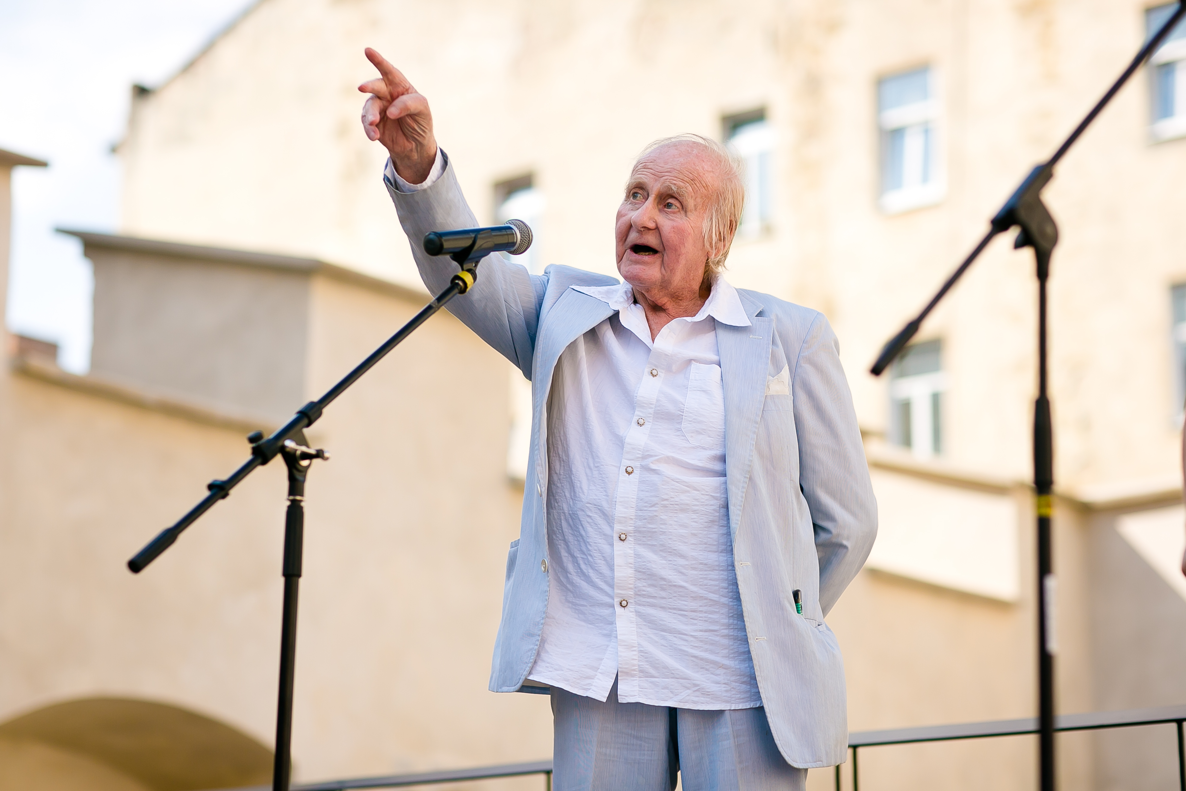 Along the Streets of the Lost Childhood: Leszek Allerhand and the Holocaust in Lviv