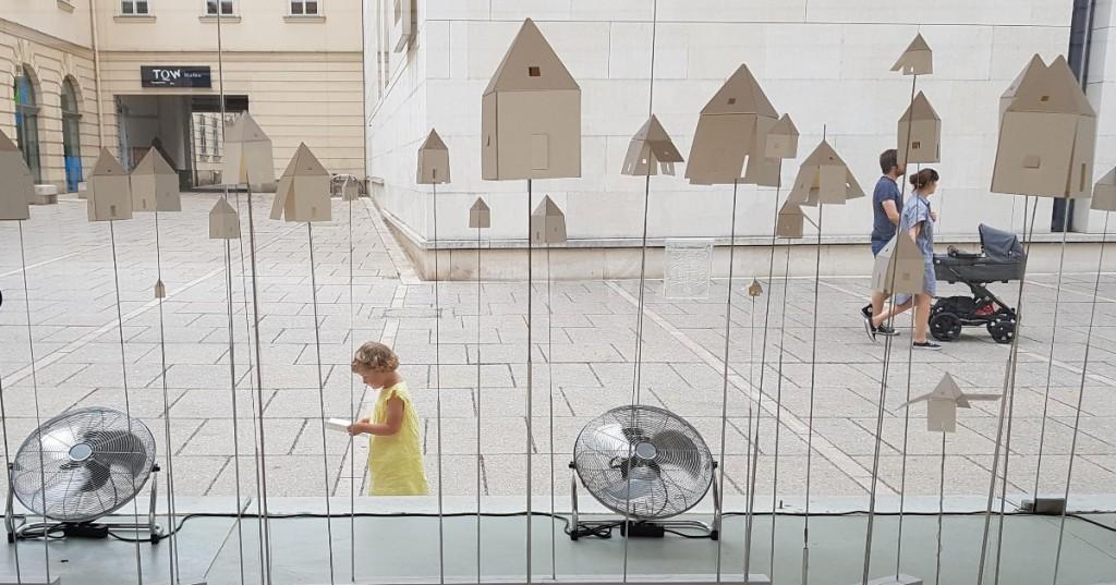 Спроектувати обжитий простір? Два приклади з Відня і Берліна