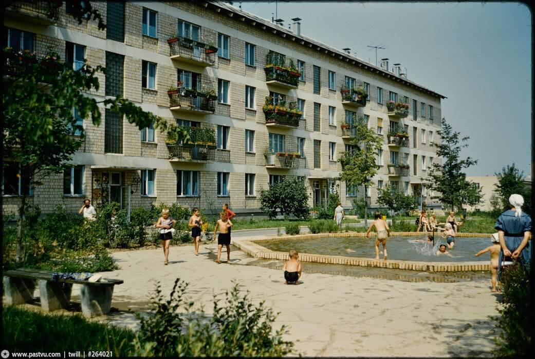 Зелені масиви: архітектура і містобудування СРСР у пошуках ідеального середовища