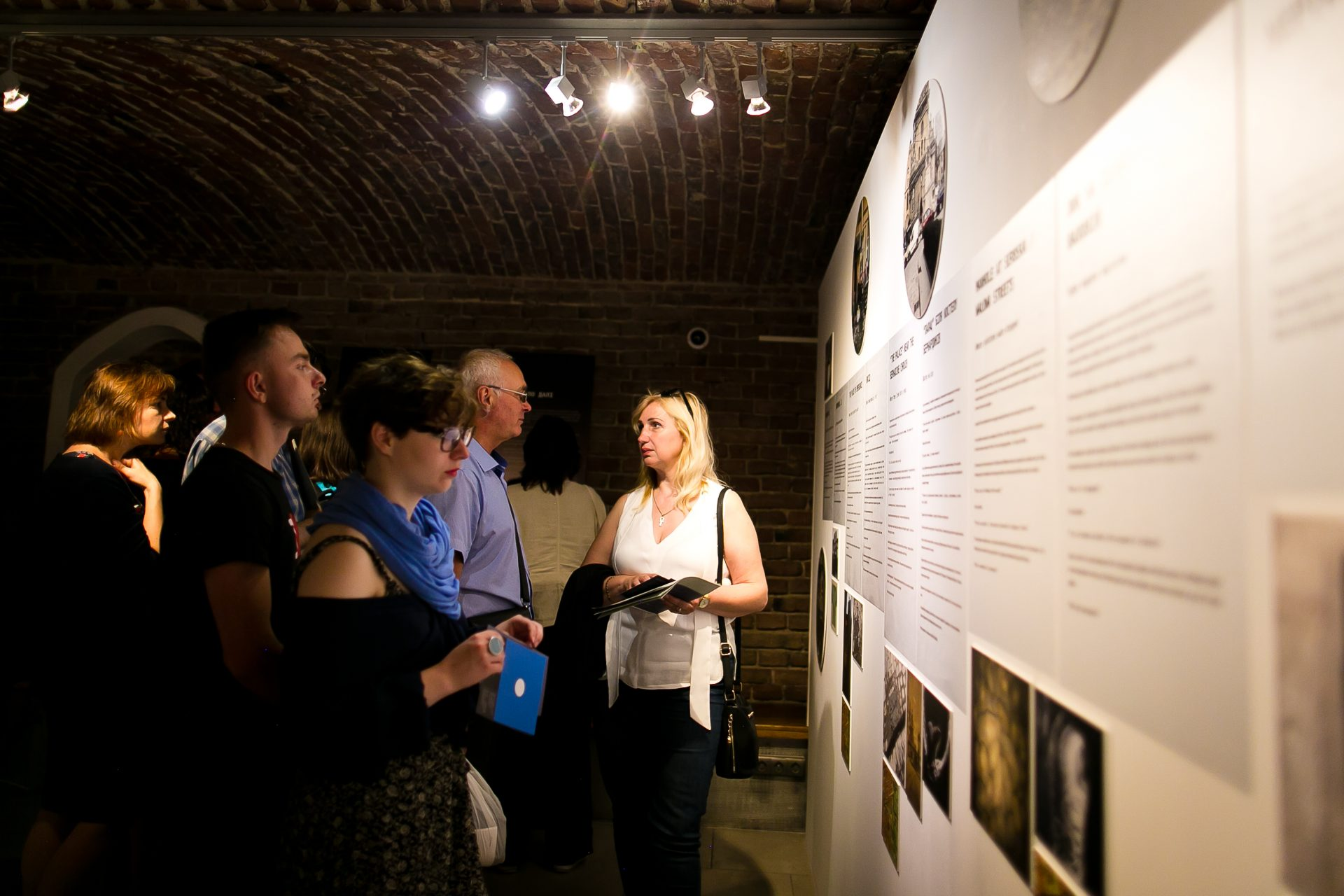 Guided tours along the exhibition