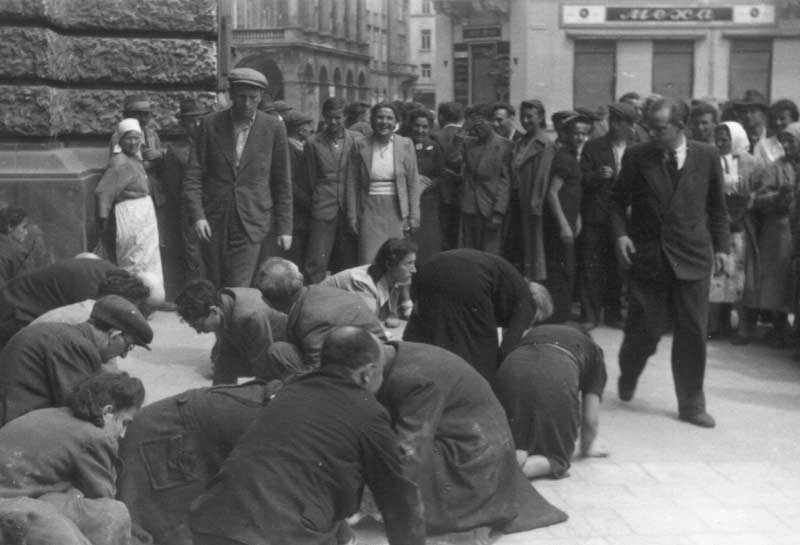 Women in Anti-Jewish Pogroms in Summer 1941 in East Halychyna: Victims, Perpetrators, and Rescuers